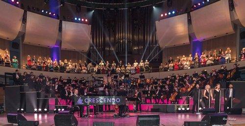 Crescendo stage
