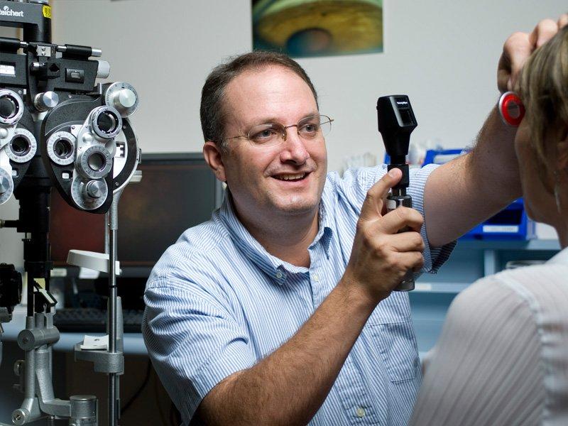 Dr. Carlos Solarte